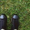 Jak zneutralizować przykry zapach z butów?